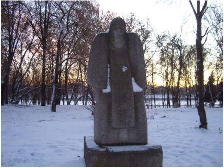 Памятник митрополиту Филиппу в Отроч - монастыре в Твери
