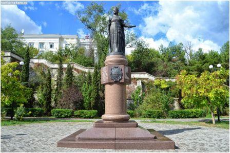 Севастополь, памятник Екатерине II Открыт в 2008 г. Скульптор: Станислав Чиж, архитектор: Григорий Григорьянц.